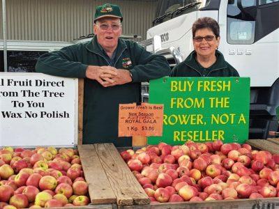 Alan and Judy market-min